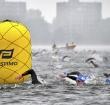 Triathlon Alphen gestaakt door wind, kou en regen