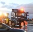 Twee vrachtwagens botsen op N11 bij Leidse Schouw