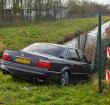 Auto crasht op de Leidse Schouw