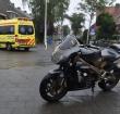 Motorrijder en auto botsen op de Van Boetzelaerstraat