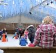 Schaatsen in museumpark Archeon tijdens Winterpret