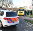 Voorbijganger treft gewonde man aan bij Maximabrug