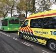 Vrouw gewond geraakt na valpartij in rijdende bus
