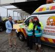 Kringloop overhandigt cheque aan dierenambulance
