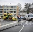 Scooter en bus PostNL botsen op rotonde bij Baronie