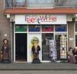 Feestwinkel in Herenhof verhuist naar de Hooftstraat