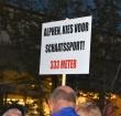 IJsverenigingen demonstreren voor ijsbaan in Leiden