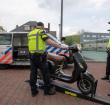Politie houdt verkeerscontrole bij Burgemeester Visserpark