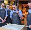 Vernieuwde slagerij Jan Antonisse in stijl heropend