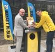 Gianni Romme onthult nieuwe glasbakken bij Baronie