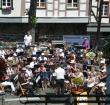 Concert van Harmonie Arti op steiger bij Nutsgebouw