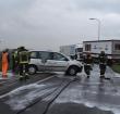 Auto vliegt uit bocht op N209 en botst op vrachtwagen