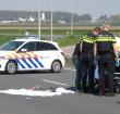 Motorrijder knalt tegen verkeersbord bij Maximabrug