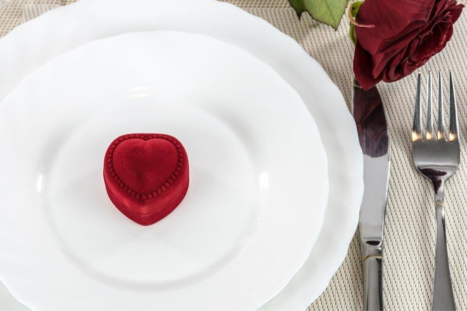 Liefdevol Valentijnsdiner in verpleeghuis Oudshoorn