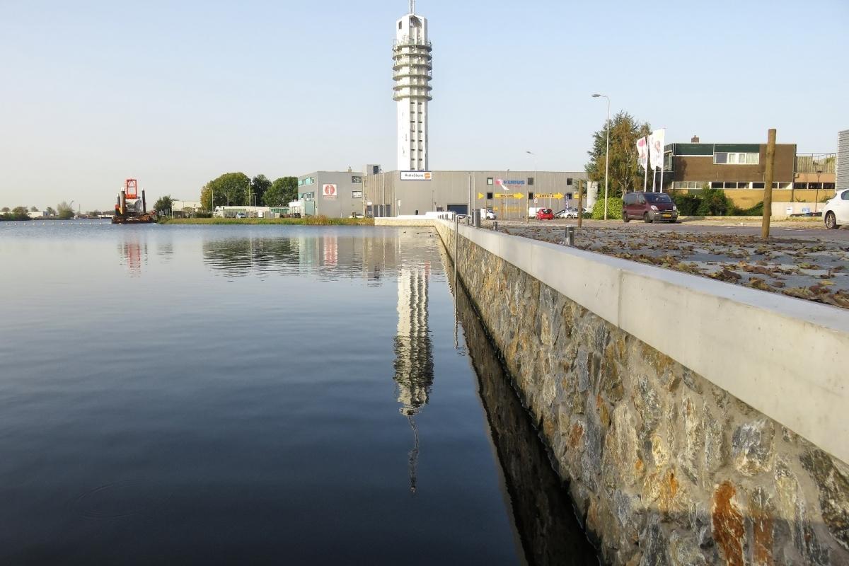 Gezocht: historische schepen voor in de Rijnhaven