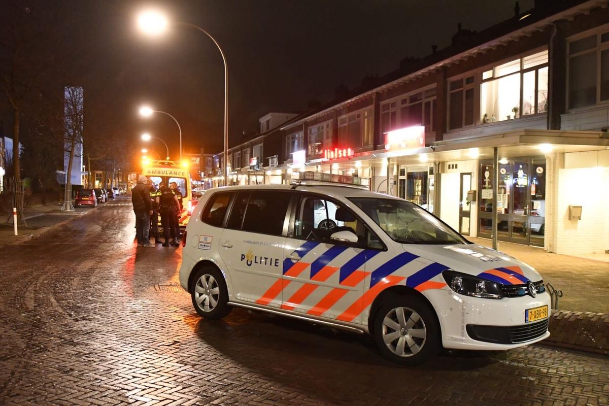 Zoektocht na poging beroving met wapen Van Nesstraat