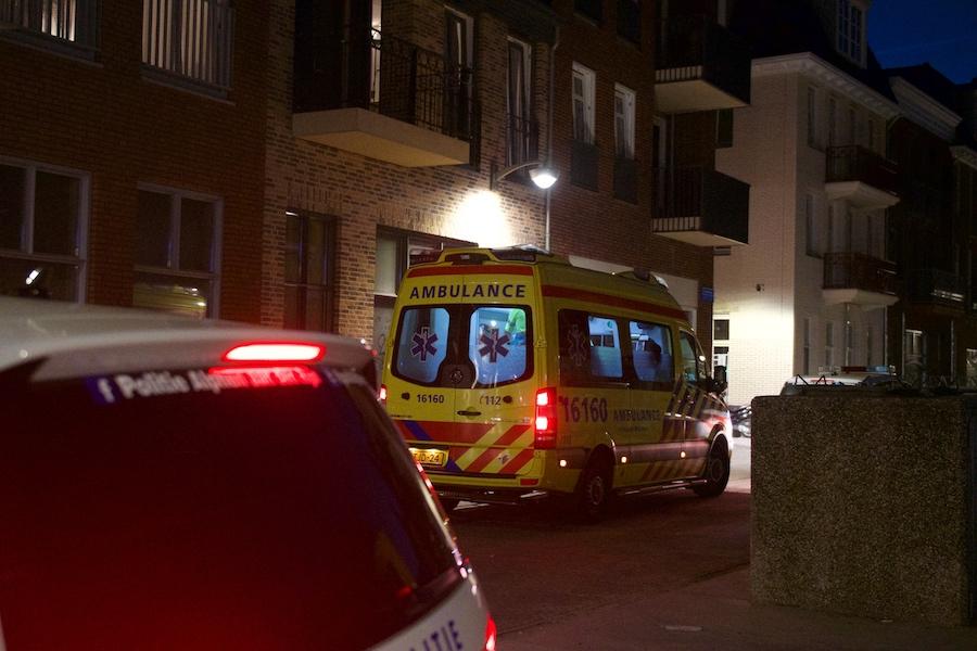 Man ernstig gewond na val in de Hooftstraat