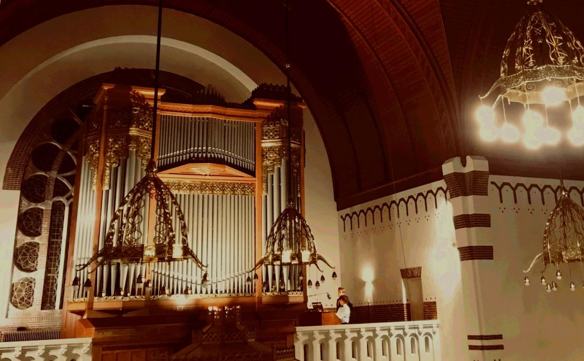 Deel van orgel Adventskerk wordt gerestaureerd