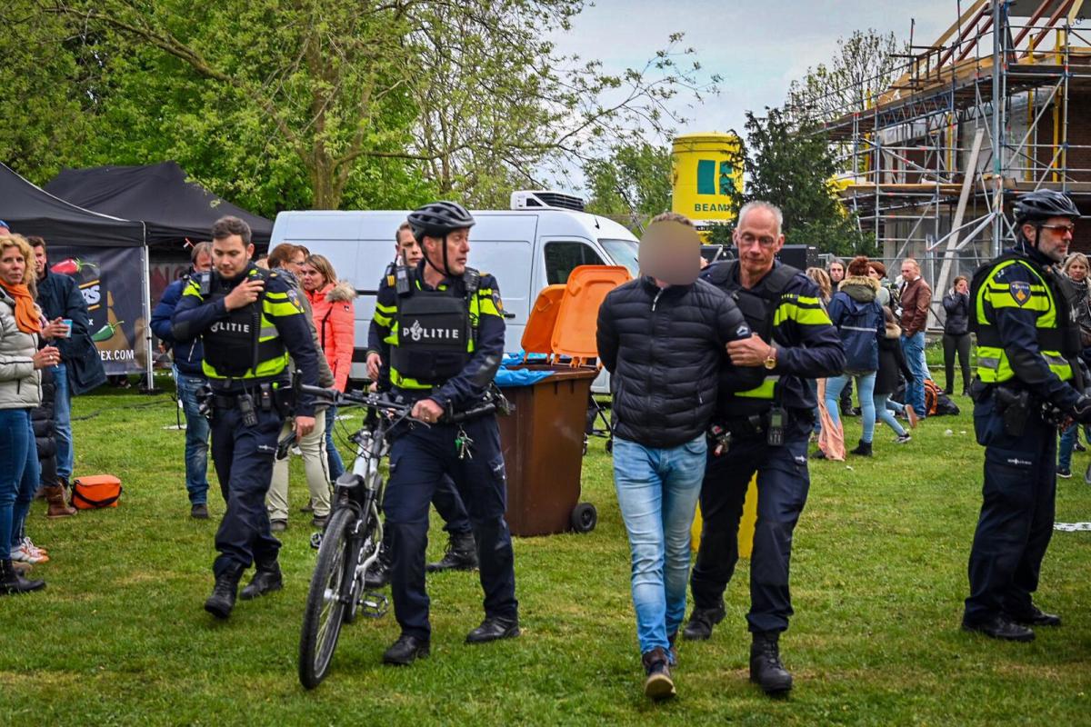 Verdacht persoon aangehouden in Park Rijnstroom tijdens Koningsdag
