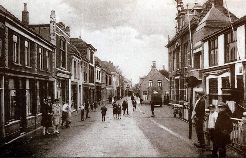 Tentoonstelling Begraven verleden van de Hooftstraat