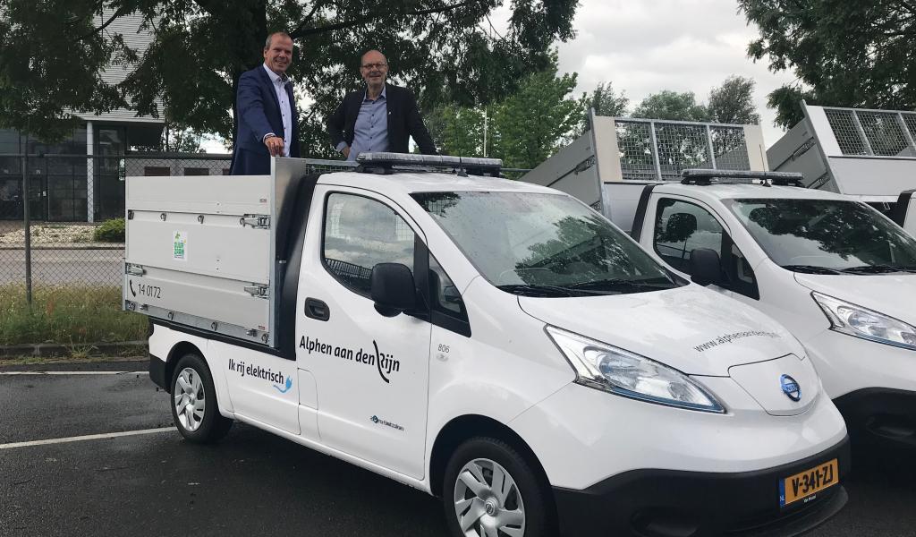 Gemeente neemt 6 elektrische inzamelwagens in gebruik