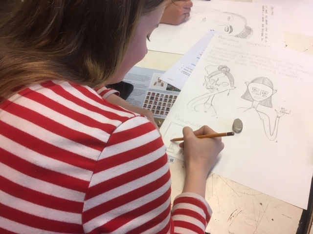 Leerlingen presenteren schoolexamenwerk tijdens Ashram Uit de Kunst!