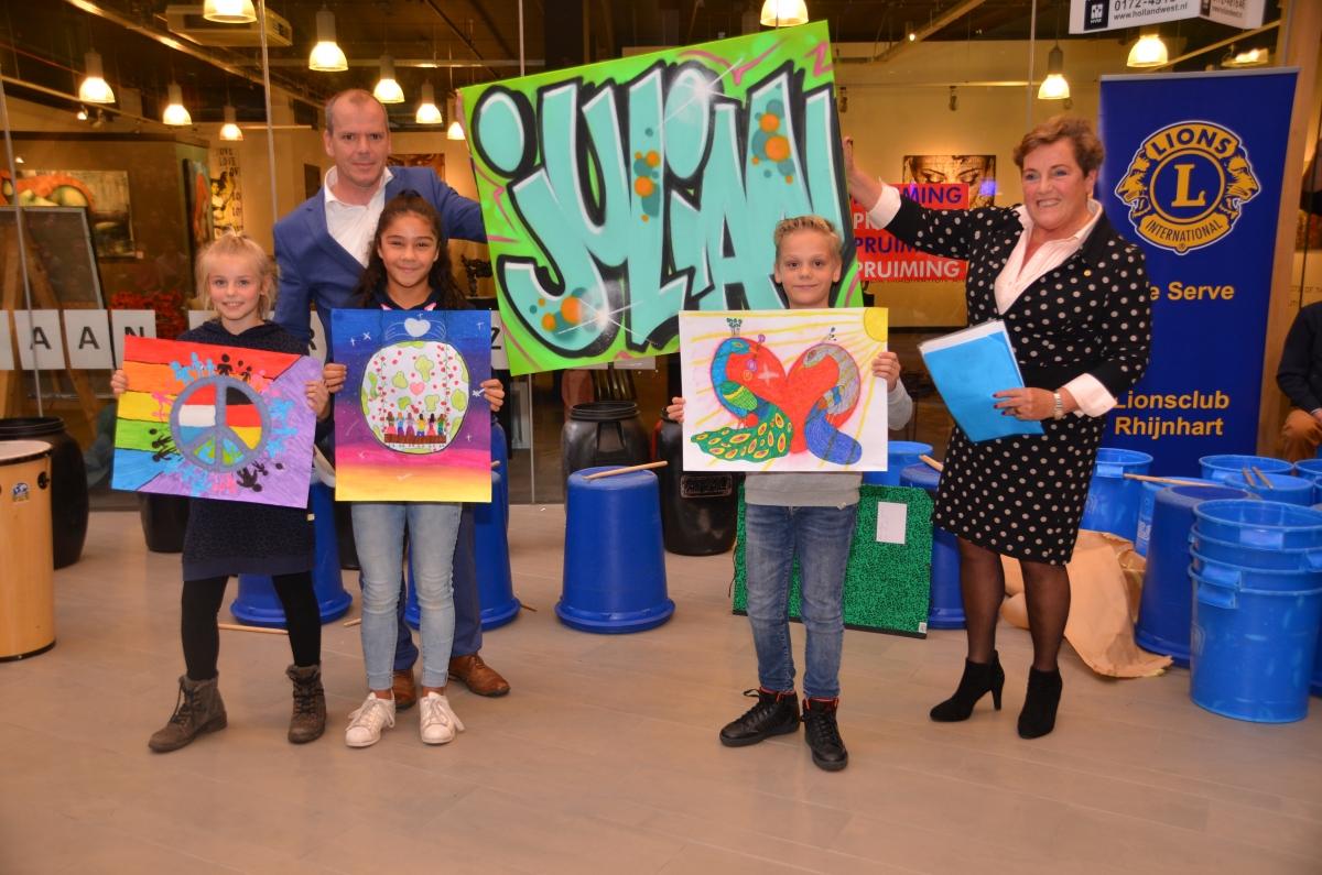 Julian van De Fontein wint Peace Poster wedstrijd
