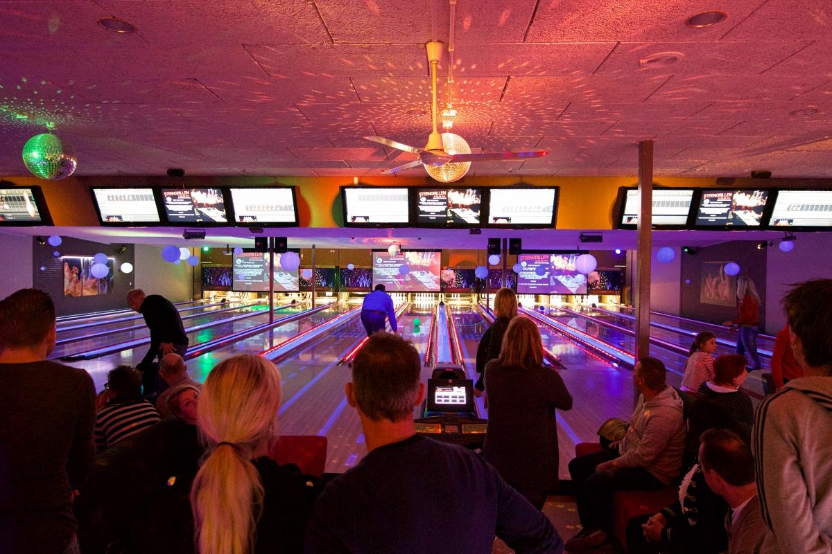 Samen met collegas de hoogste teamscore halen bij Bowling Alphen?