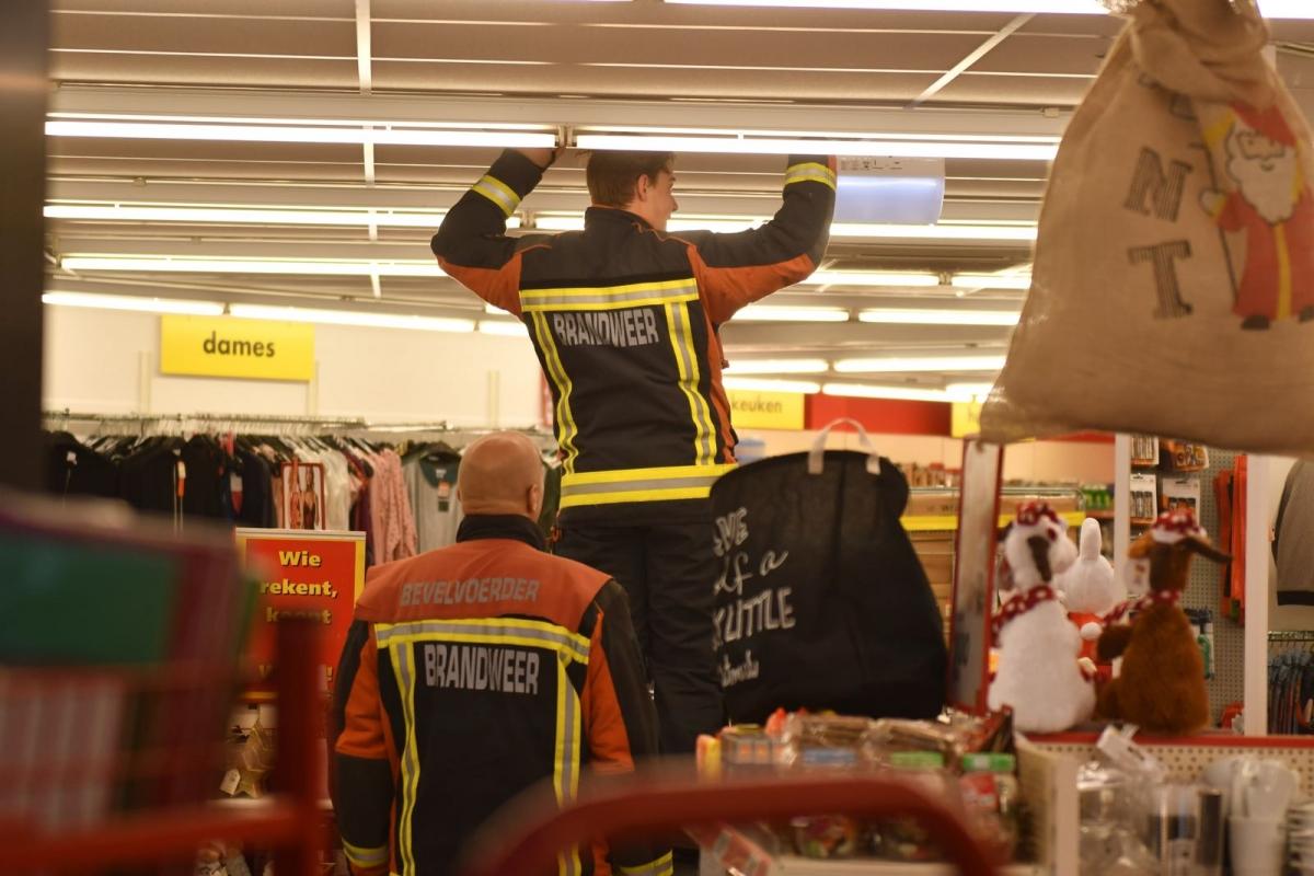 Wibra in De Ridderhof ontruimd na brandmelding