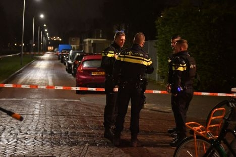 Politie zoekt getuigen poging beroving Van Nesstraat