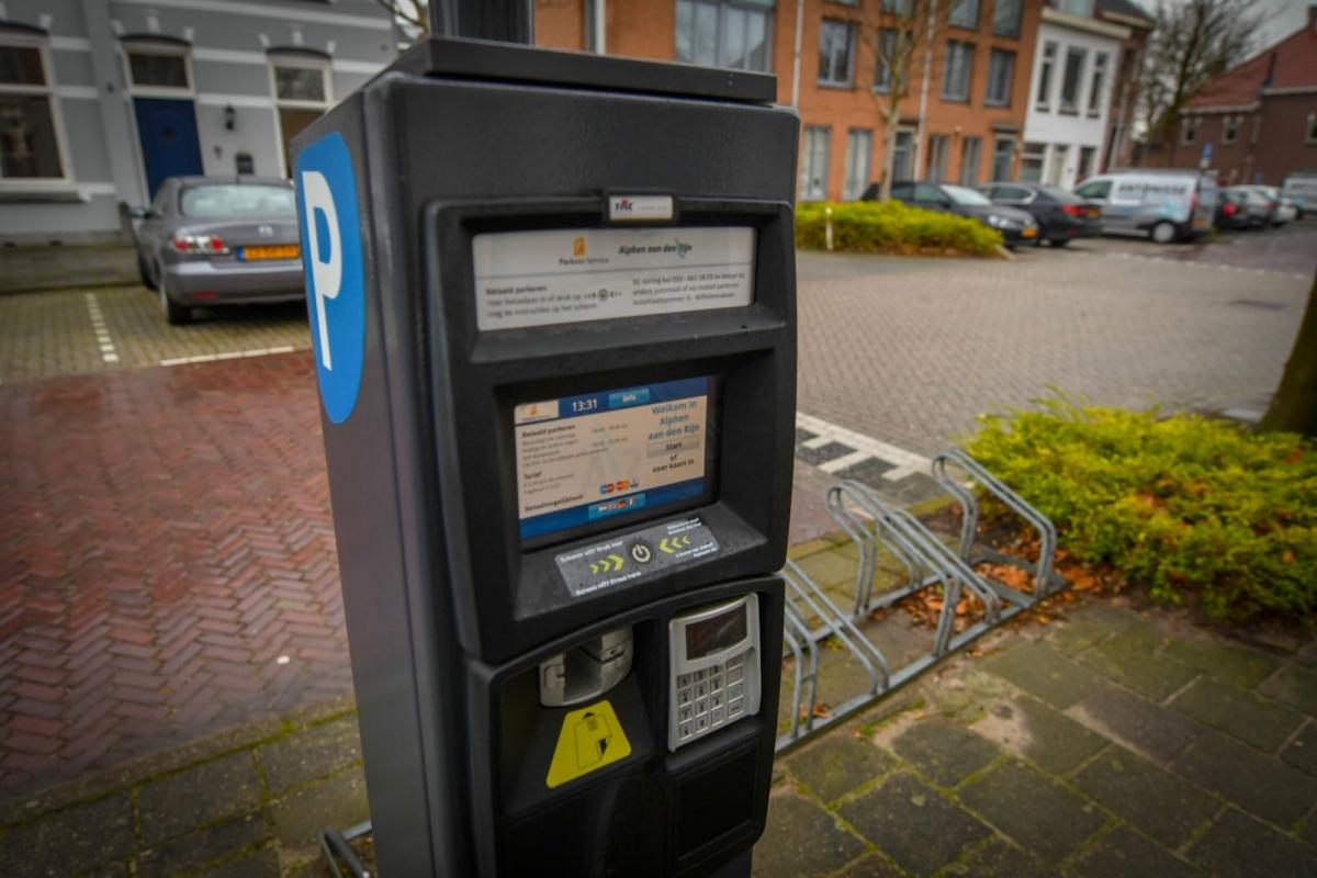 Alphen overweegt scanvoertuig voor parkeercontrole