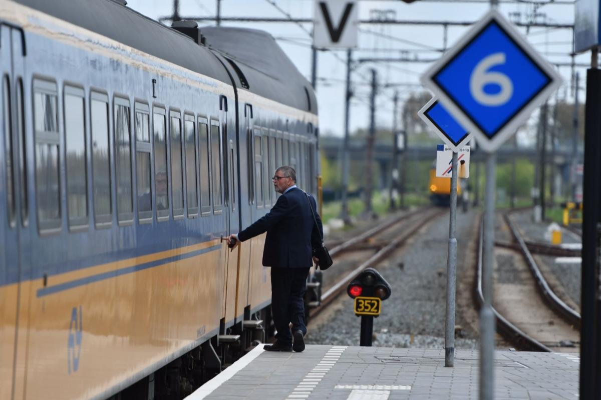 Minder treinen naar Utrecht door aanrijding persoon