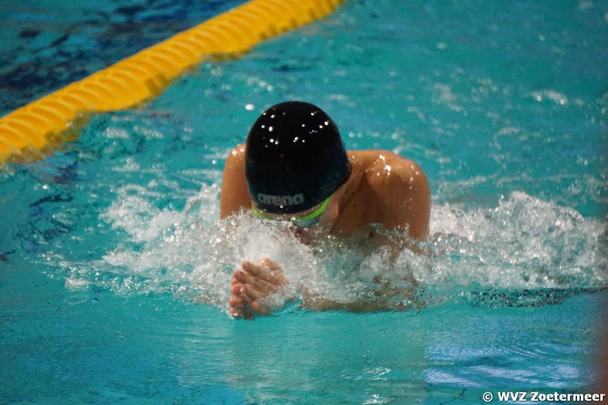 Daan Sonneveld blinkt uit tijdens regiokampioenschappen zwemmen