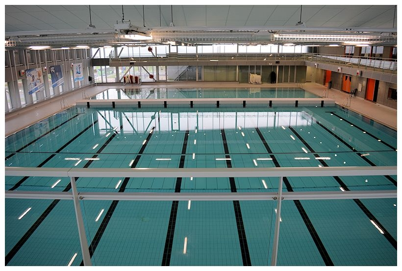 Mannen van StukTV halen zwemdiplomas in AquaRijn