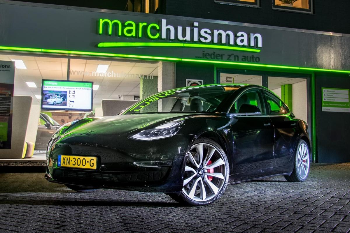 Autobedrijf Marc Huisman bemachtigd nieuwe Tesla model 3