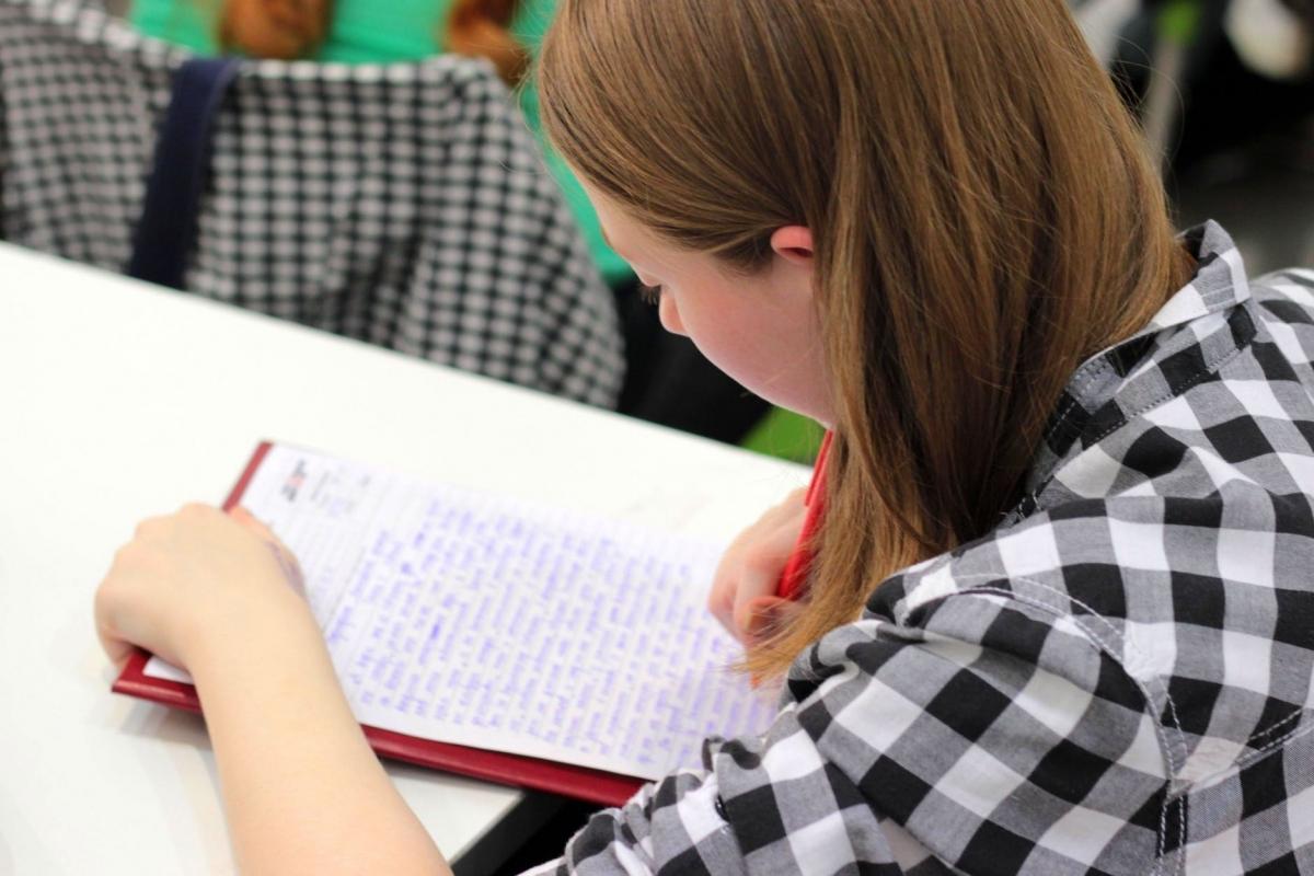 Alphense scholieren aan de slag met eindexamens