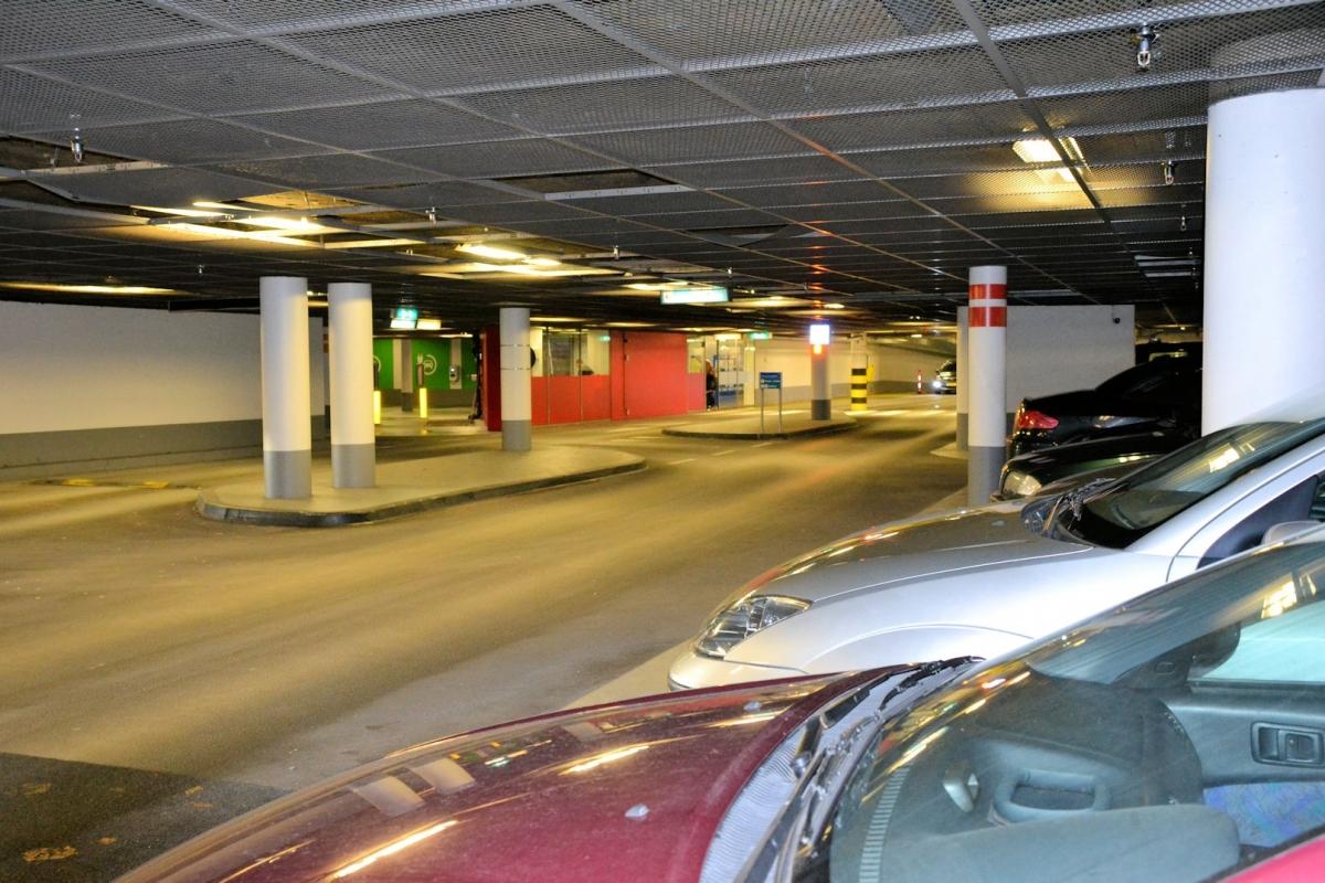 Parkeren in centrumgebied van Alphen te goedkoop