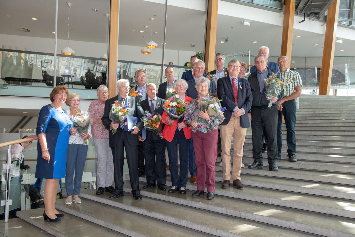 Zeventien inwoners ontvangen lintje van Burgemeester Spies