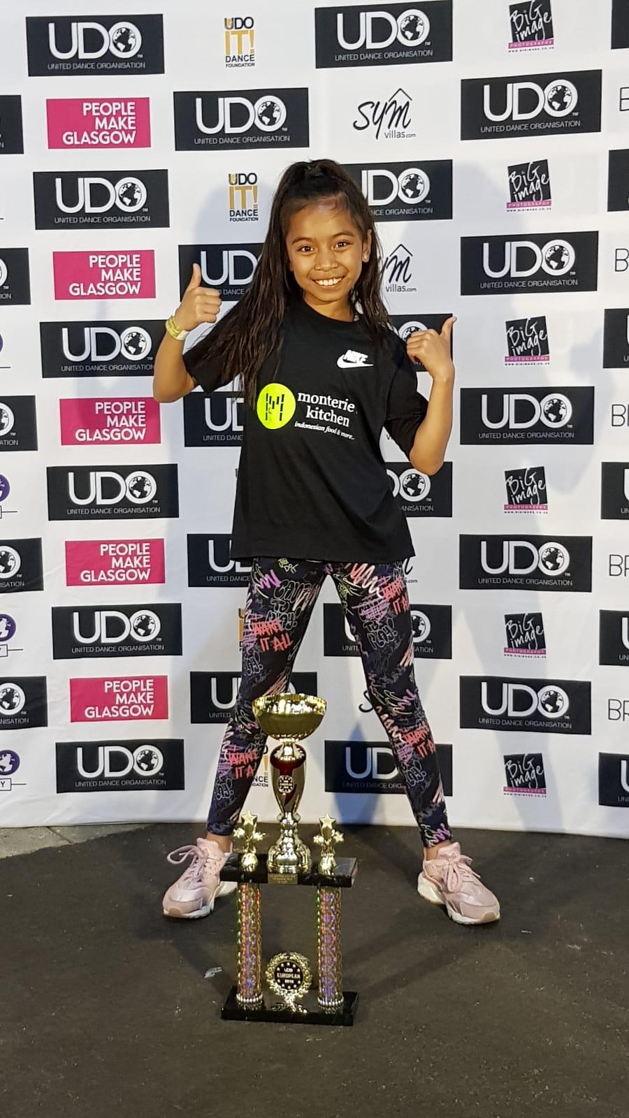9-jarige Tyathira is Europees Kampioen Hiphop Solo U10