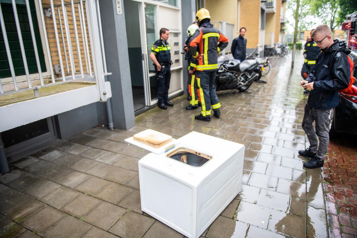 Wasdroger vat vlam in berging Seringenstraat