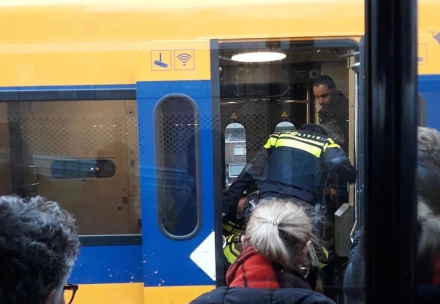 Grote politie inzet op station Alphen aan den Rijn