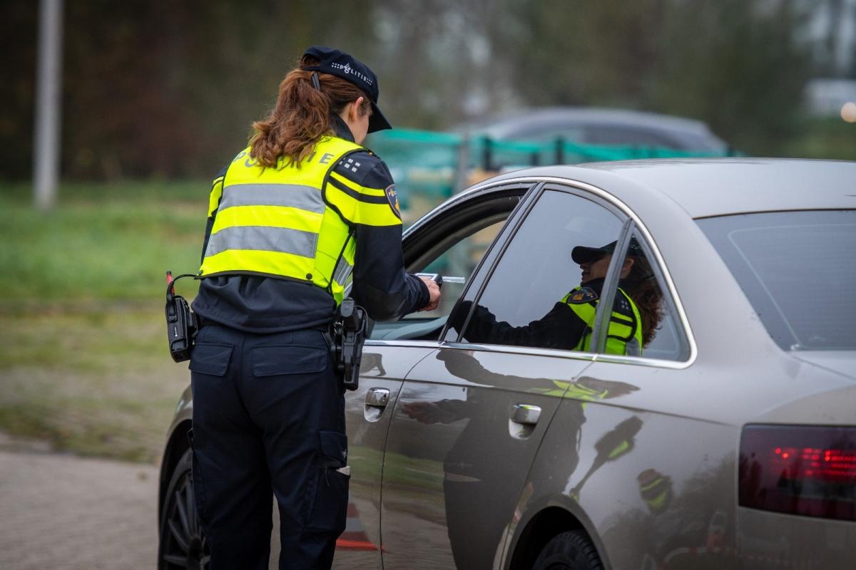 Bekeuringen bij politiecontrole op parkeerterrein ARC