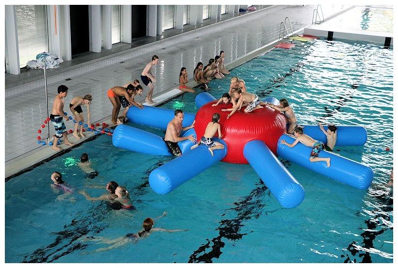 Activiteiten tijdens open dag bij zwembad AquaRijn