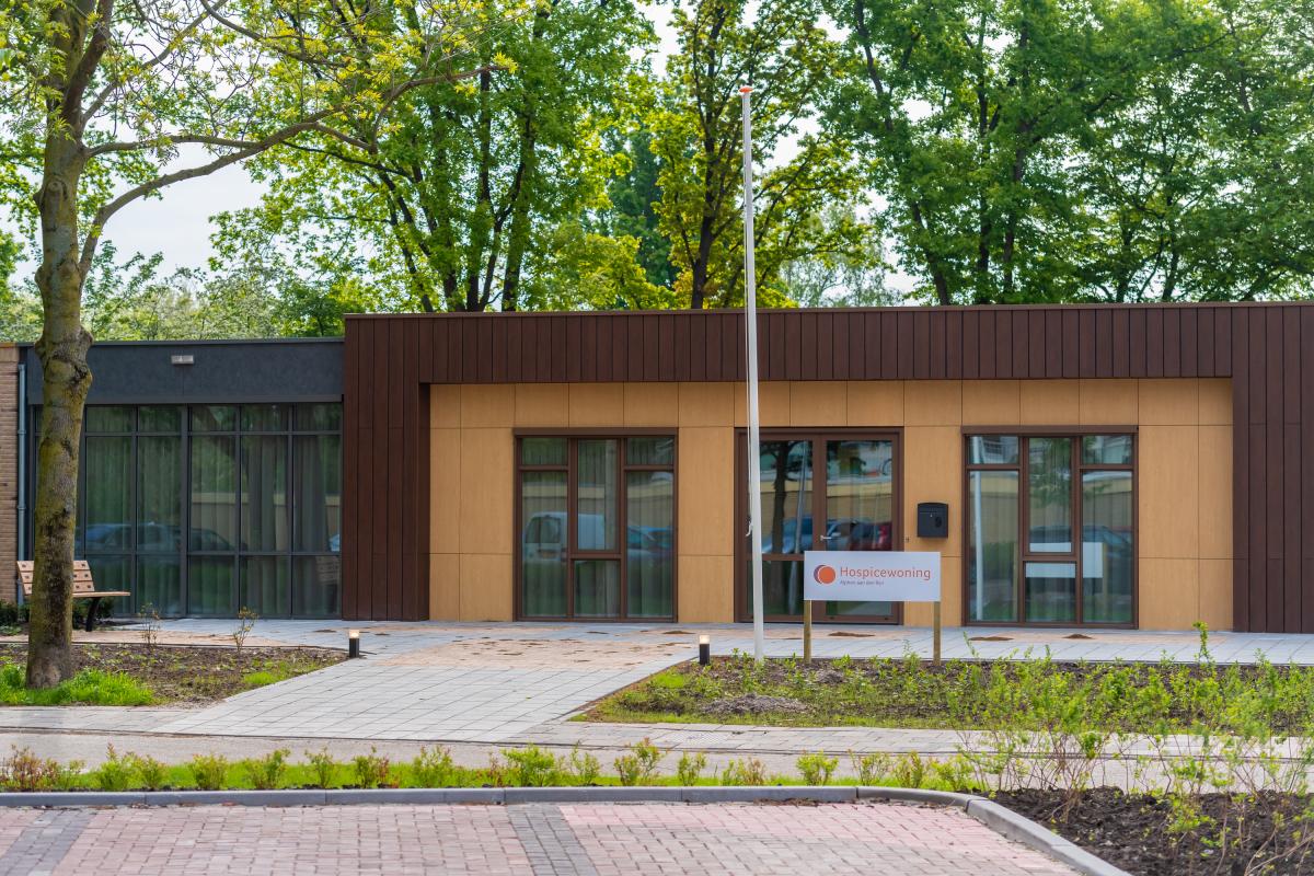 Burgemeester Spies opent nieuwe hospicewoning
