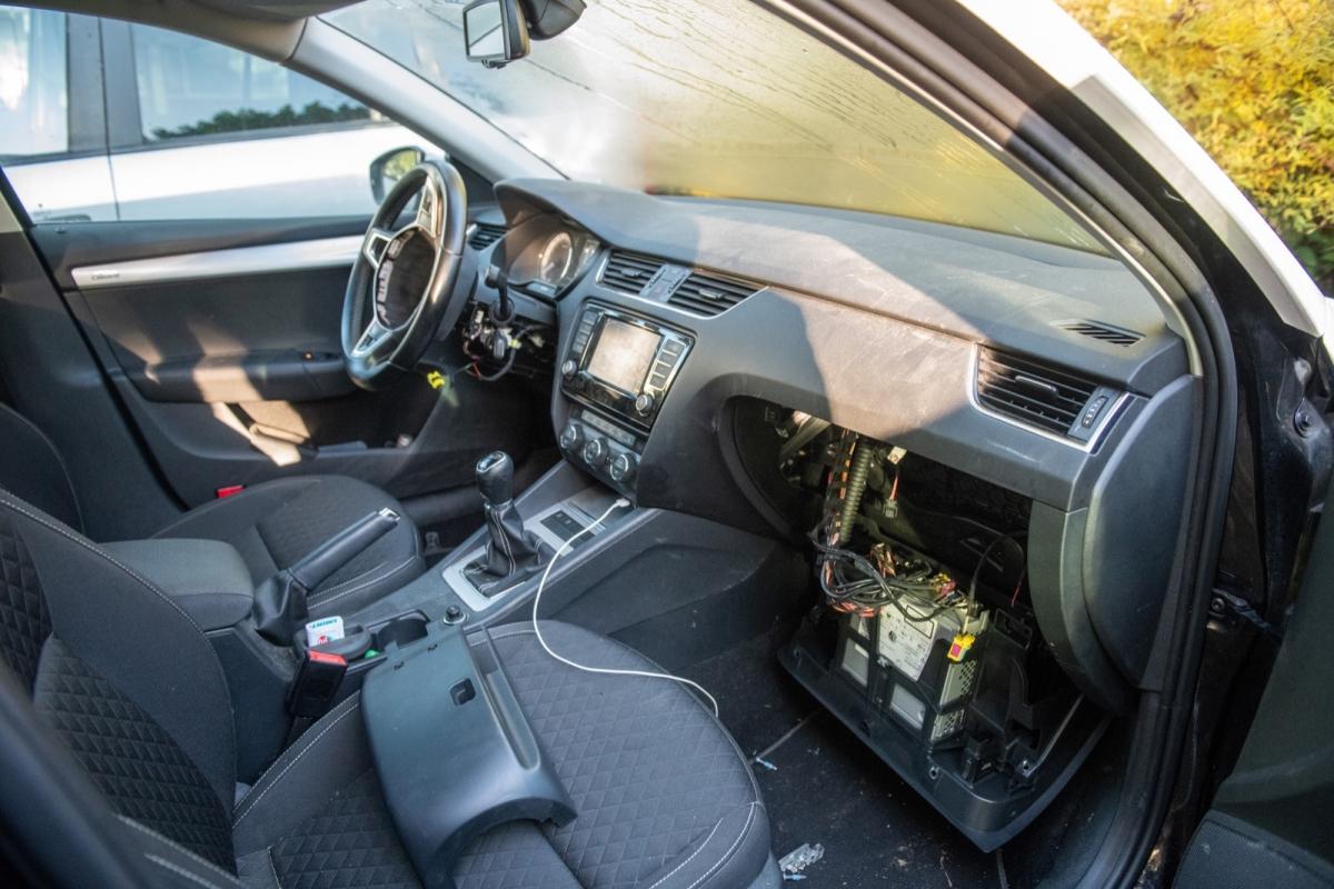 Meerdere autos opengebroken en airbags gestolen