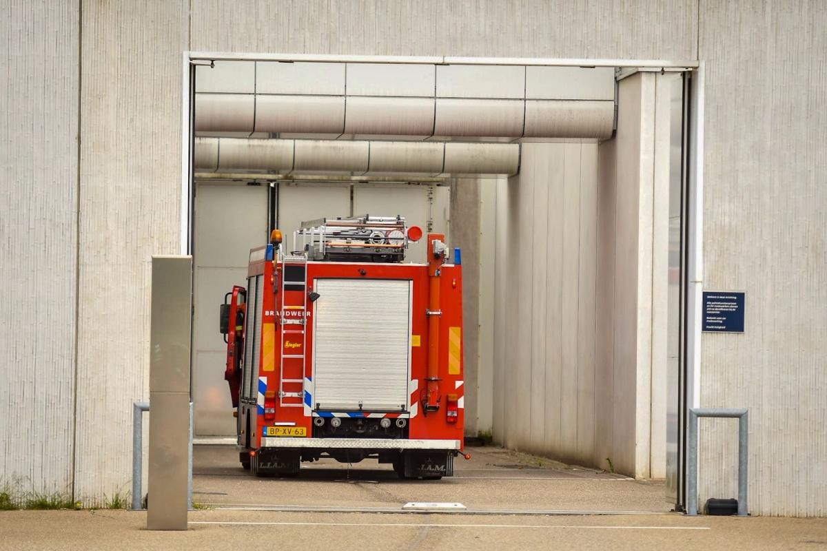 Brandweer in actie voor brandmelding in gevangenis