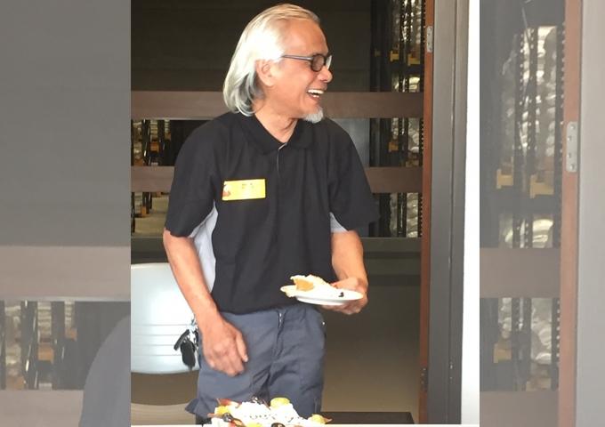 66-jarige Alphense werknemer tekent ondanks pensioenleeftijd weer bij