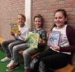 Raluca wint voorleeswedstrijd op de Tamboerijn